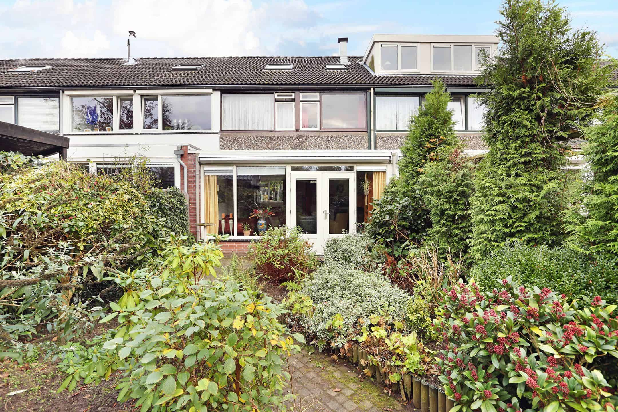 898 2160 - Verhuurrendement woningen Apeldoorn: 7% per jaar (eerste fase).